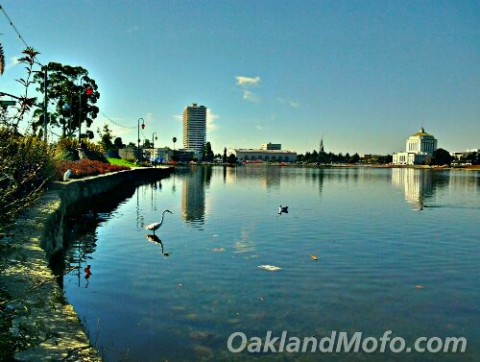 how many miles around lake merritt