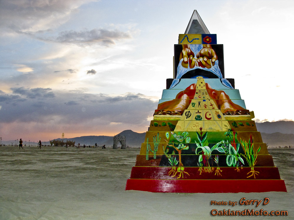 Pyramid Playa Art Black Rock City BRC 09